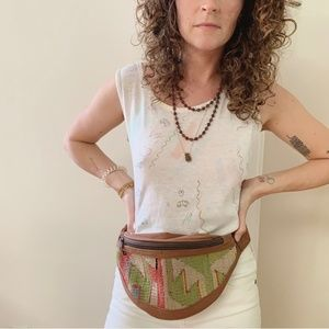 vintage • woven fanny pack